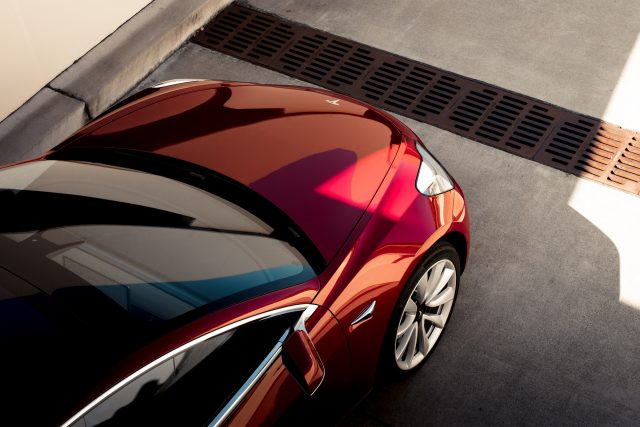 Общество плоской Земли неубедил запуск Tesla Roadster вкосмос