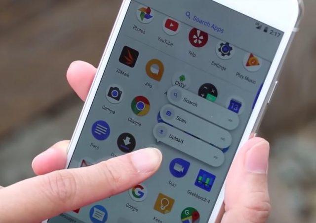 Унового Самсунг Galaxy S8 обнаружили изъян