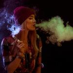 В США хотят повысить минимальный возраст курения вейпа до 21 года