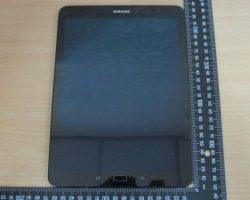 Задняя панель планшета Samsung Galaxy Tab S3 может быть накрыта стеклом