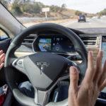 Пользователи жалуются на внезапное ускорение автомобилей Tesla